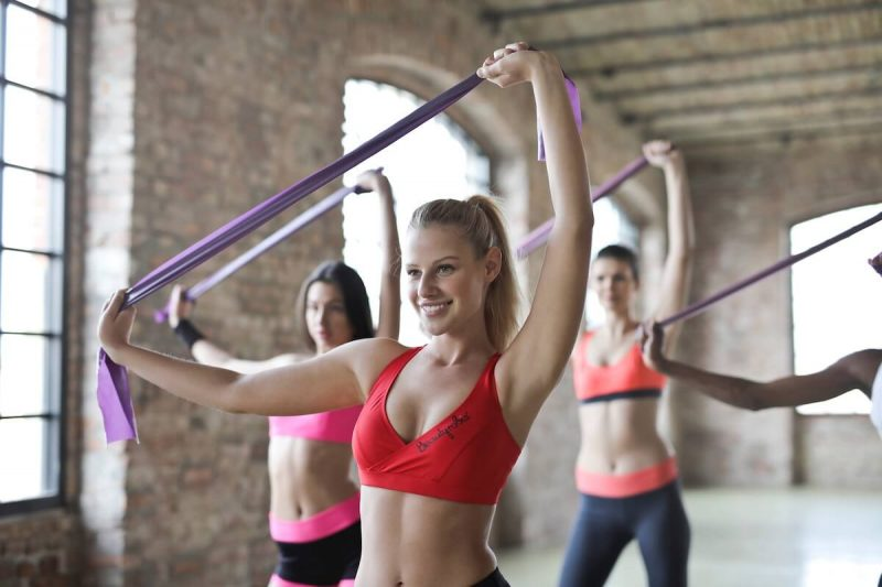 women doing pilates class